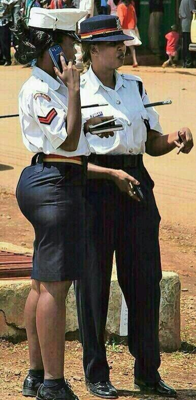 police woman tight skirt 1