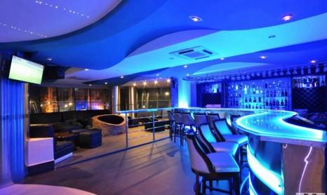 aqua blu club