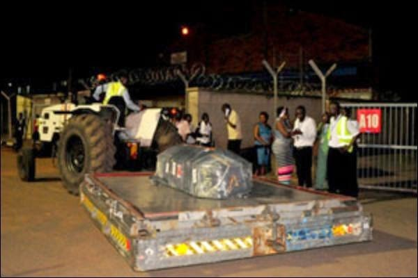 Photos Of Juliana Kanyomozi S Son Body Arriving In Entebbe Naibuzz