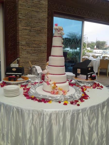 wedding_cake_1-17421-600-600-70