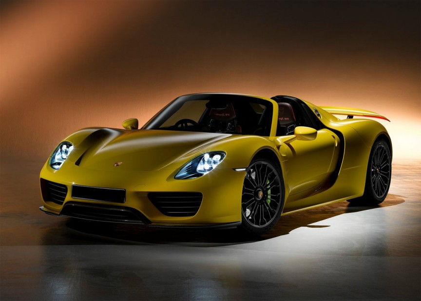 2015 porsche 918 spyder yellow color pictures naibuzz. Black Bedroom Furniture Sets. Home Design Ideas