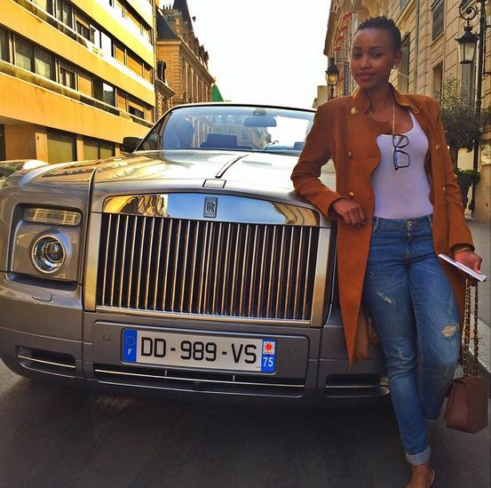 Huddah-Monroe-Paris-Eiffel-Tower-5