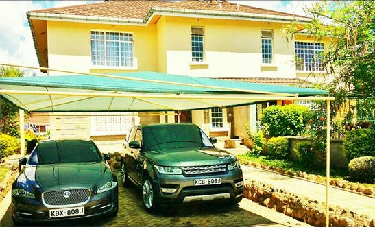 Jaguars-house-and-cars-1