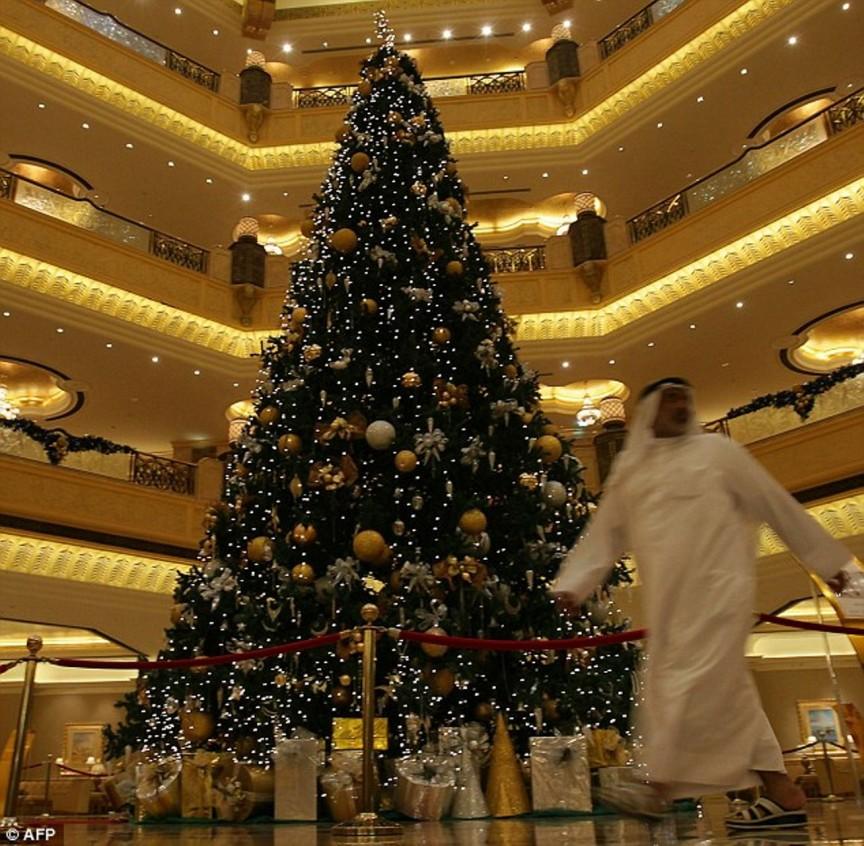 abu dhabi christmas tree