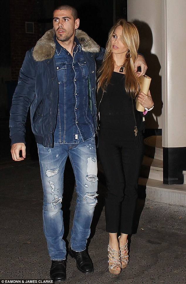 victor valdes and his girlfriend