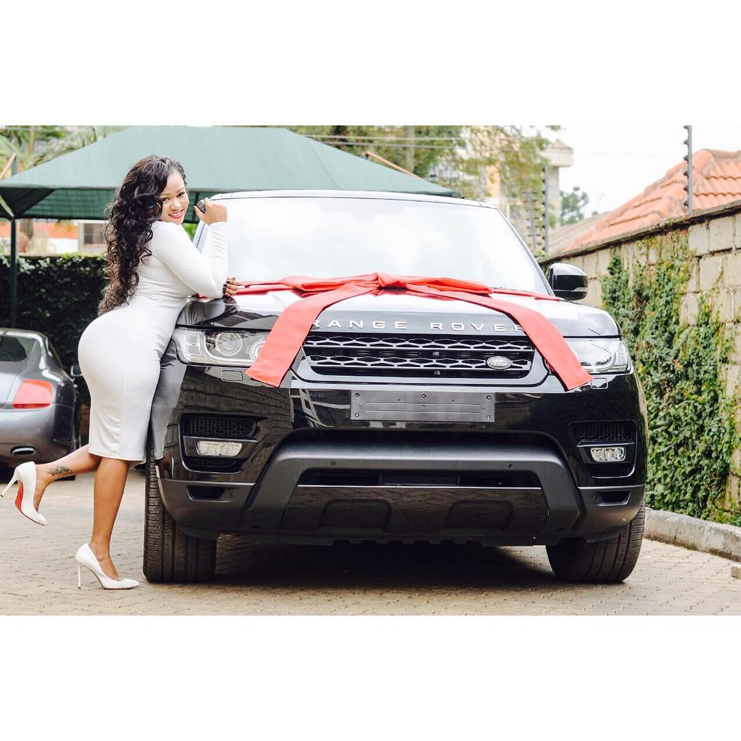 Vera Sidika Gets Herself A New 2015 Range Rover Sport