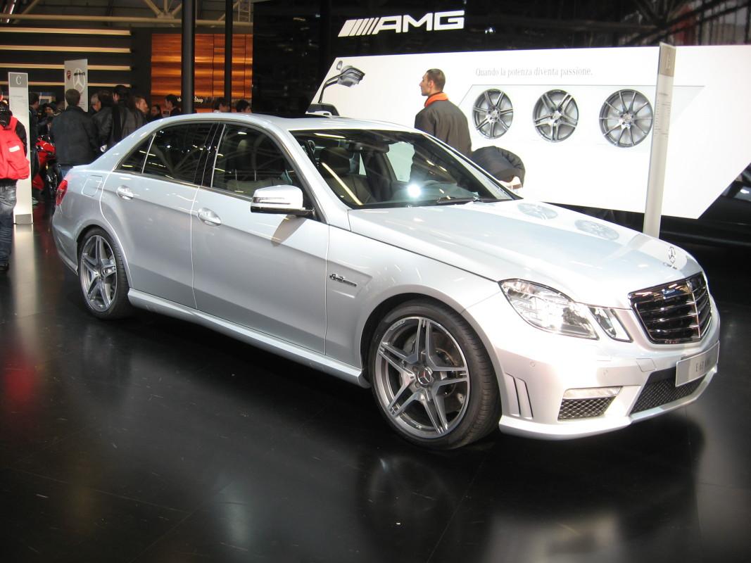 Mercedes-Benz_E63-AMG_Front-view-e1444126083844
