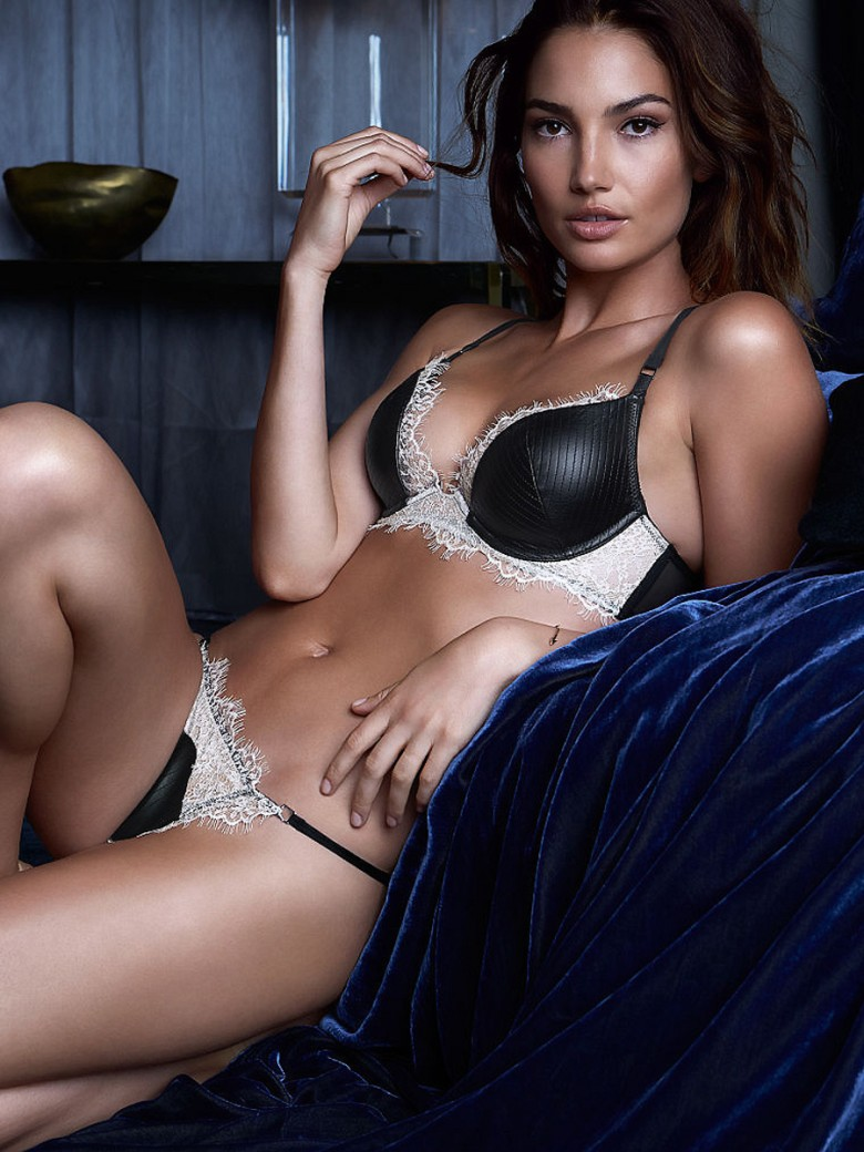 "2217c92b3b The ""Faux Leather and Lace Plunge Bra"" does not have the matching panty"