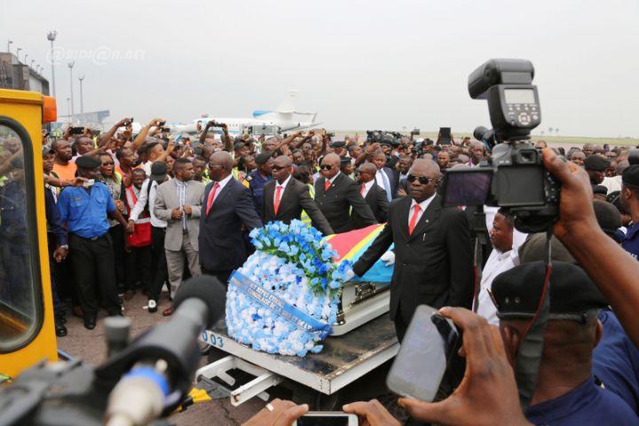 PApa-Wemba-Arrivee-Kinshasa-0019