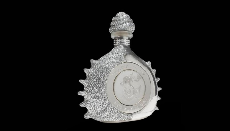 1. Pasión Azteca, Platinum Liquor Bottle by Tequila Ley