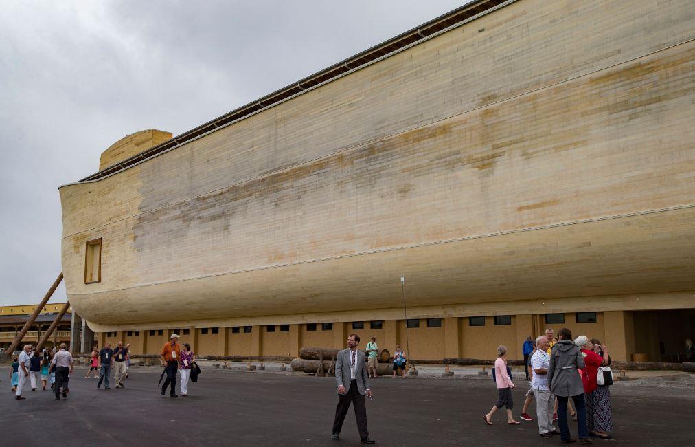 This massive noah 39 s ark replica was just built in kentucky for Noah s ark kentucky location