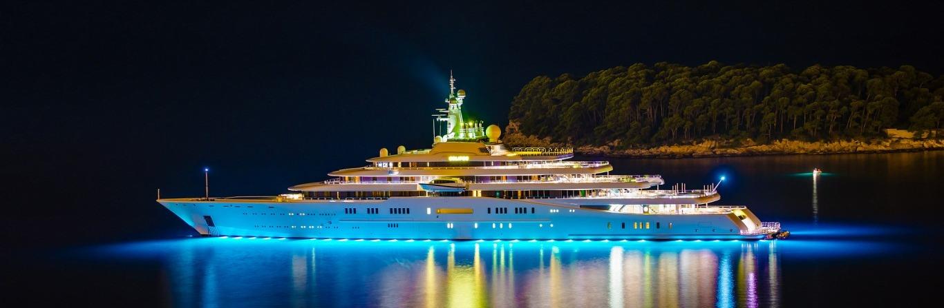 roskoshnaya-mega-yahta-yacht