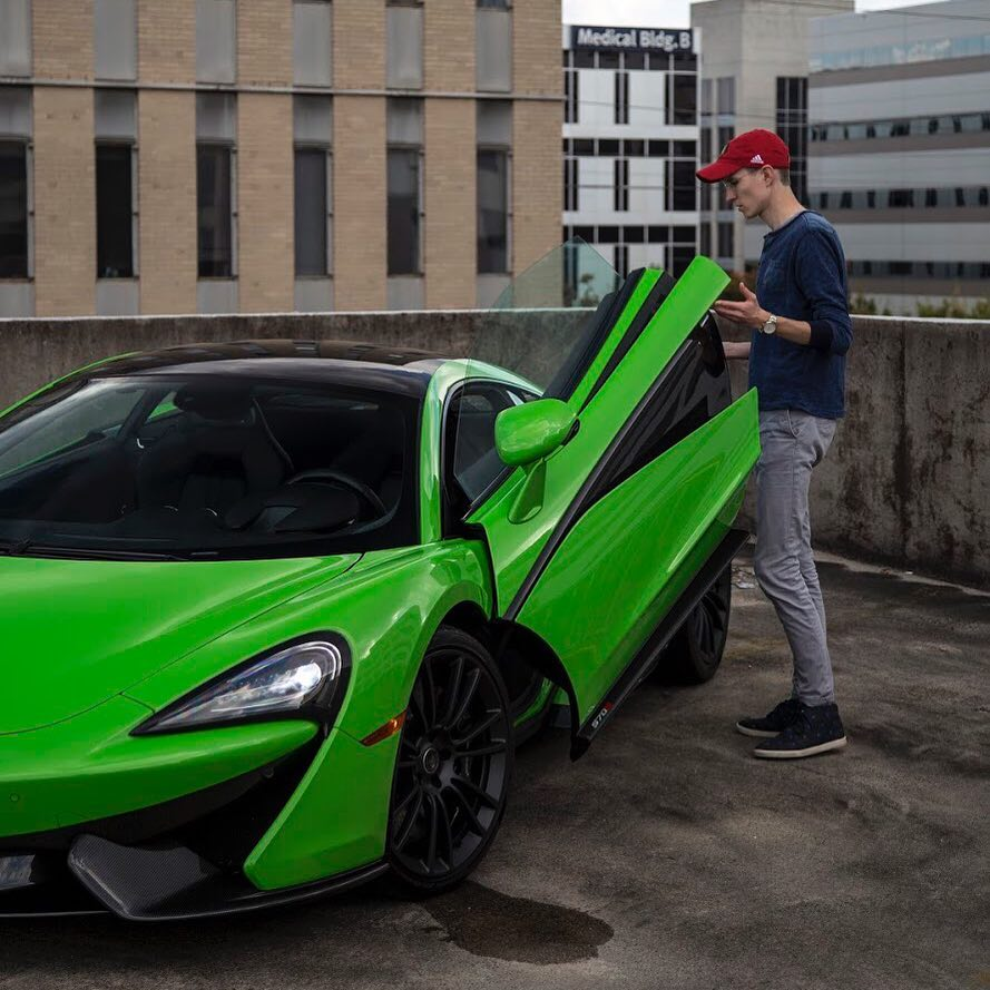 how much money mrbossftw makes on youtube net worth