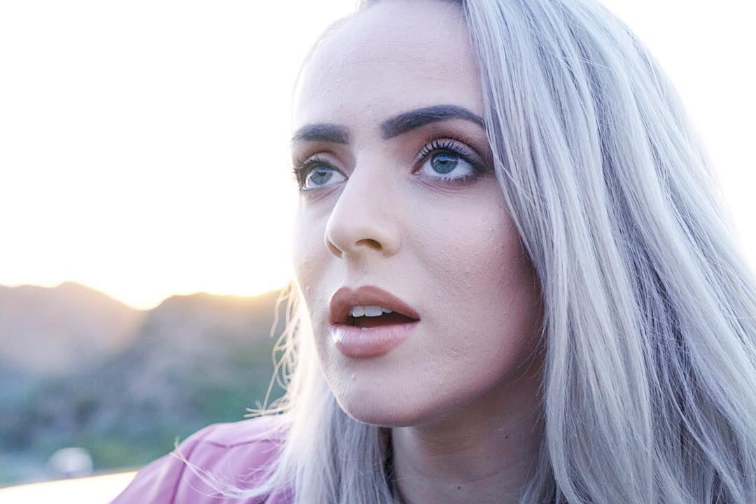 how much money madilyn bailey makes on youtube net worth naibuzz. Black Bedroom Furniture Sets. Home Design Ideas