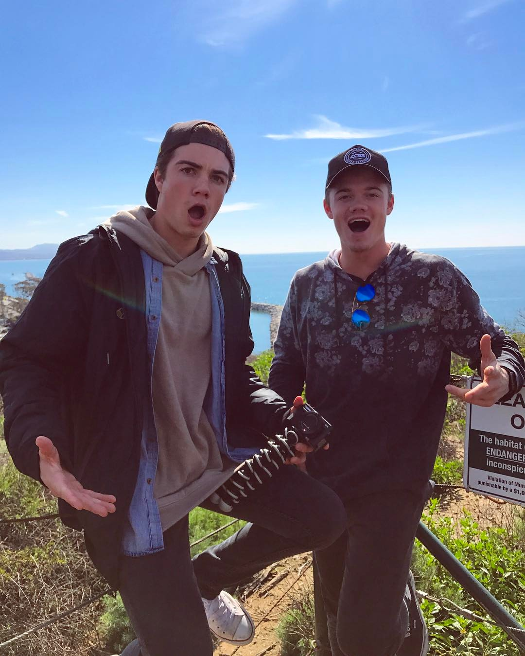 How Much Money Beau Bros Makes On YouTube - Net Worth - Naibuzz