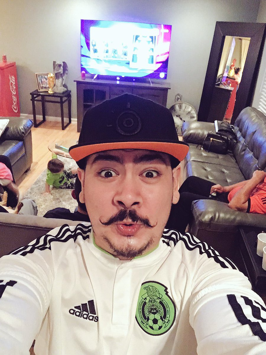how much money castro1021 makes on youtube net worth