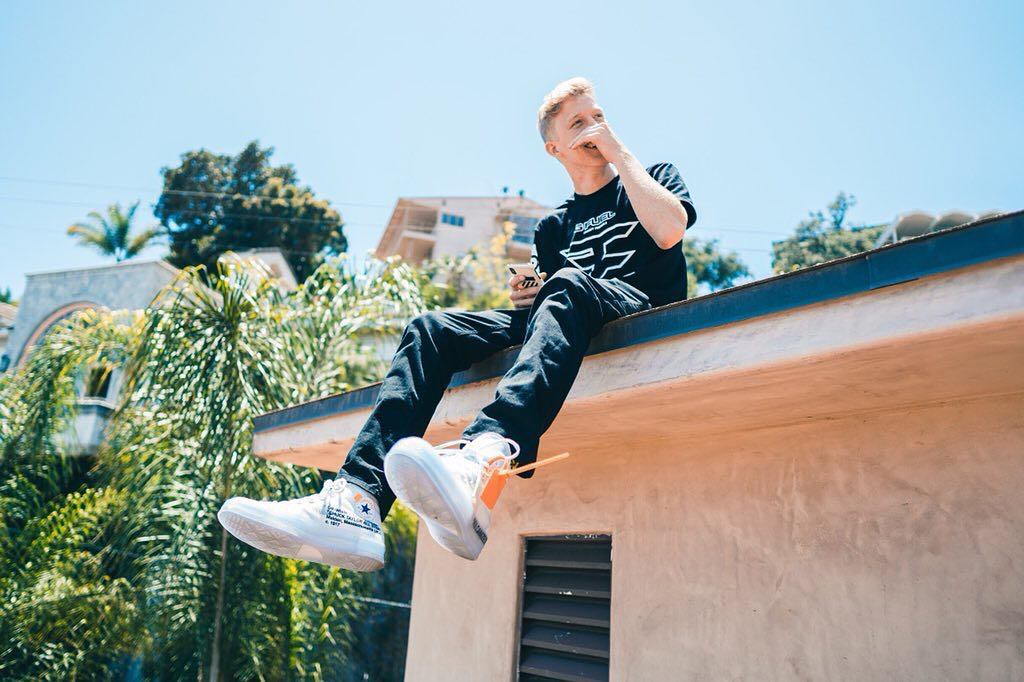 How Much Money Tfue Makes On YouTube & Twitch - Net Worth - Naibuzz