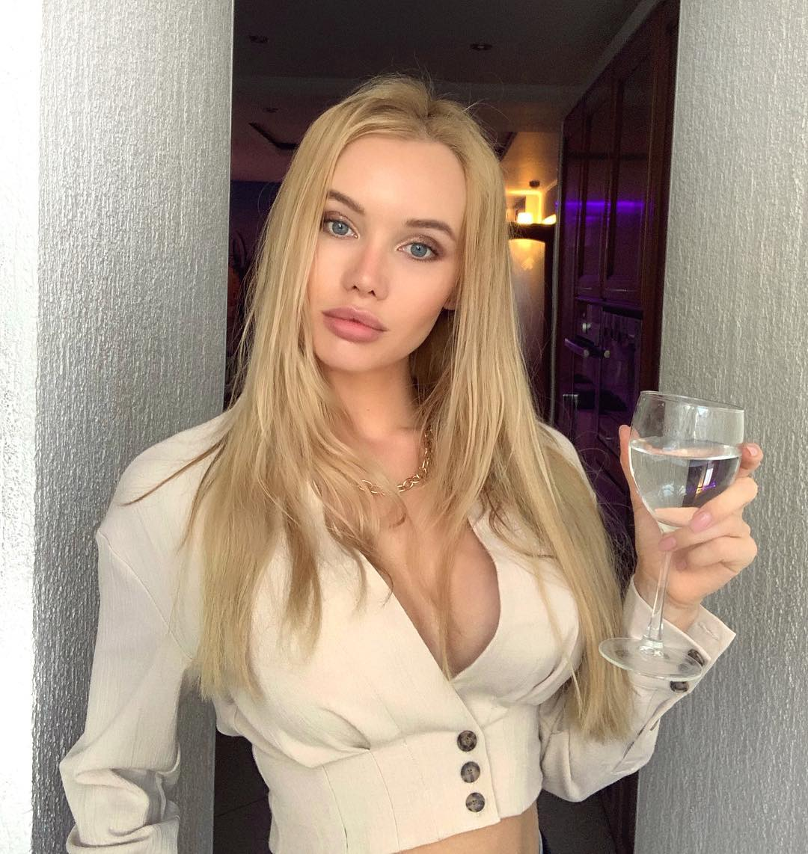 Olya Abramovich Bio - Inside The Life Of The Russian Model ...