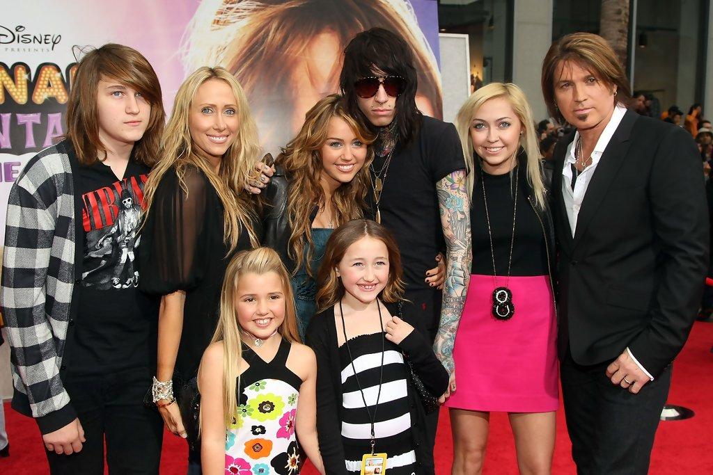 Miley Cyrus Brandi Cyrus Family Noah Cyrus