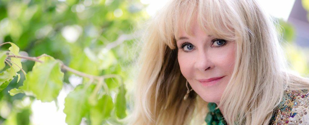 Becky Robbins - Inside The Life Of Tony Robbins Ex Wife