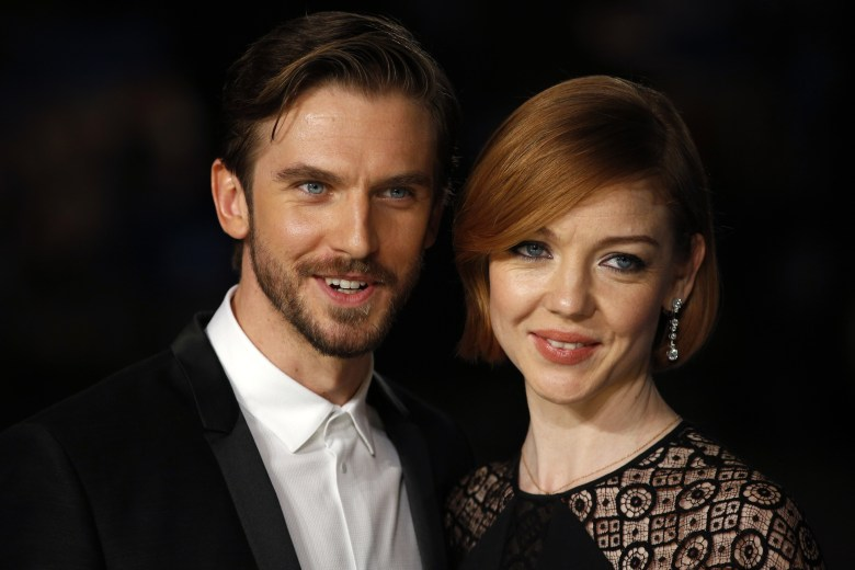 Susie Hariet Inside The Life Of Dan Stevens Wife Naibuzz Dan stevens met his wife, susie hariet, when they were both working as actors in the english town of sheffield. inside the life of dan stevens wife